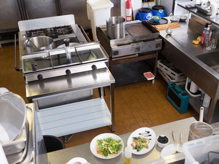 von Klein Gastrobedarf ausgestattete Gastronomieküche